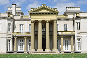Exterior shot of Dundurn Castle