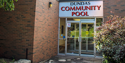 Exterior image of Dundas Community Pool building/entrance