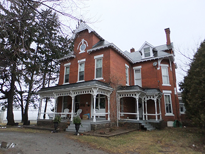 Front side view of 1059 Highway 8, Ontario