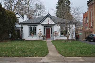 Front view of 21 to 33 Melville Street, Dundas, Ontario